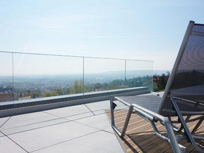 glass railing for swimming pool