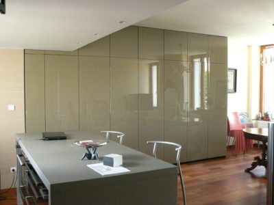 glass partition bespoke lacquered glass