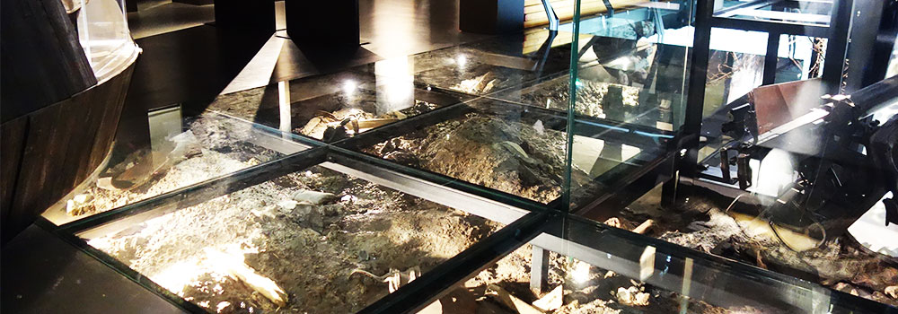 customized glass floor triple toughened laminated glass
