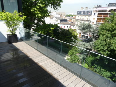 glass railing with profile