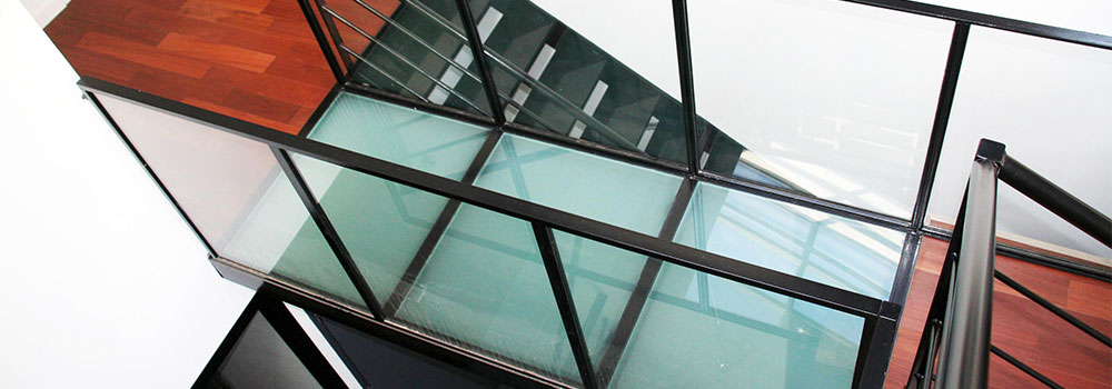 transparent opaque glass floor toughened laminated glass