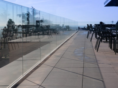 thickness glass railing