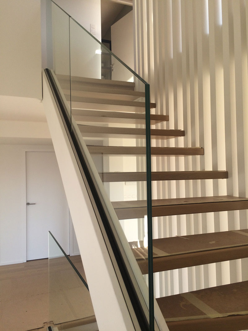 Garde Corps Metal Design glass stair railing : both aesthetic and safe | my laminated