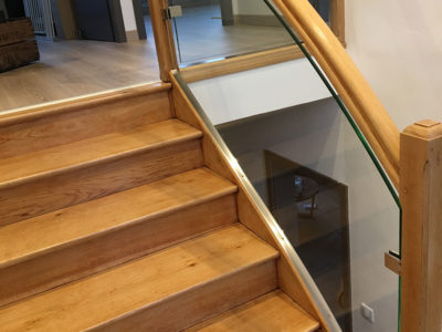 glass handrail for staircase