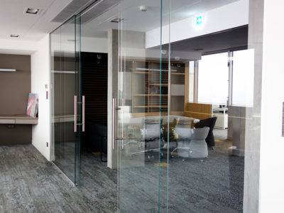 workspace glass partition