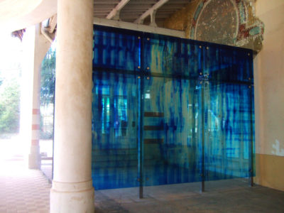 laminated glass with picture interlayer