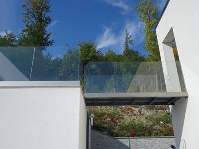 exterior glass guardrail