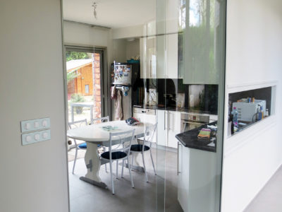 installation sliding curved glass door