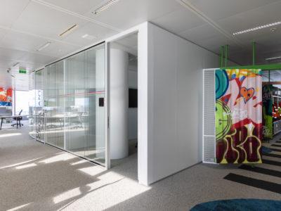 modular glass partition