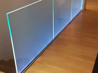 glass railing on profile with leds