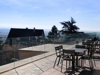 Bespoke glass railing on profile